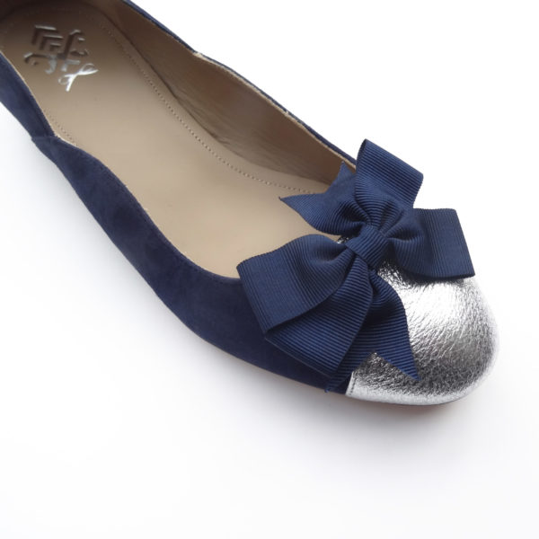 Navy and silver flat woman shoe with bow