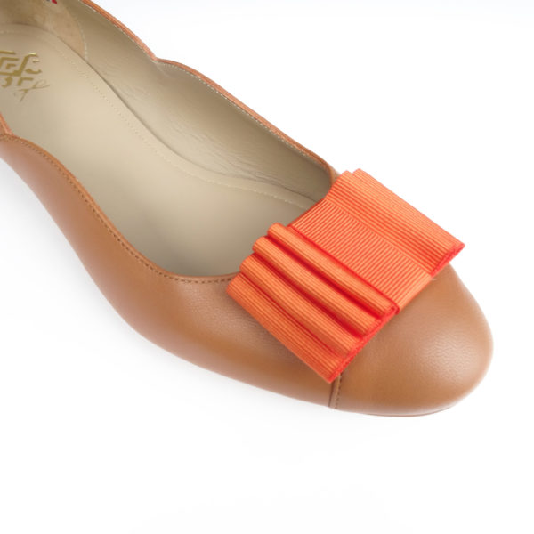 Ballerine camel à noeud orange