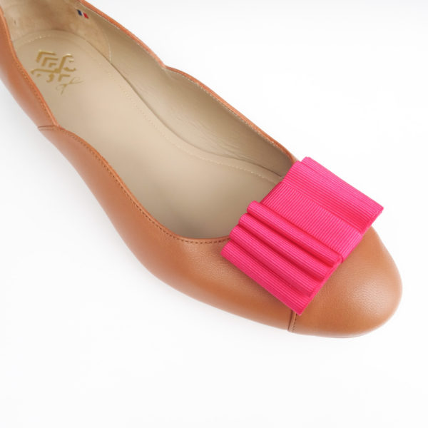 Maison Castille ballerina in camel leather with fuchsia pink bow